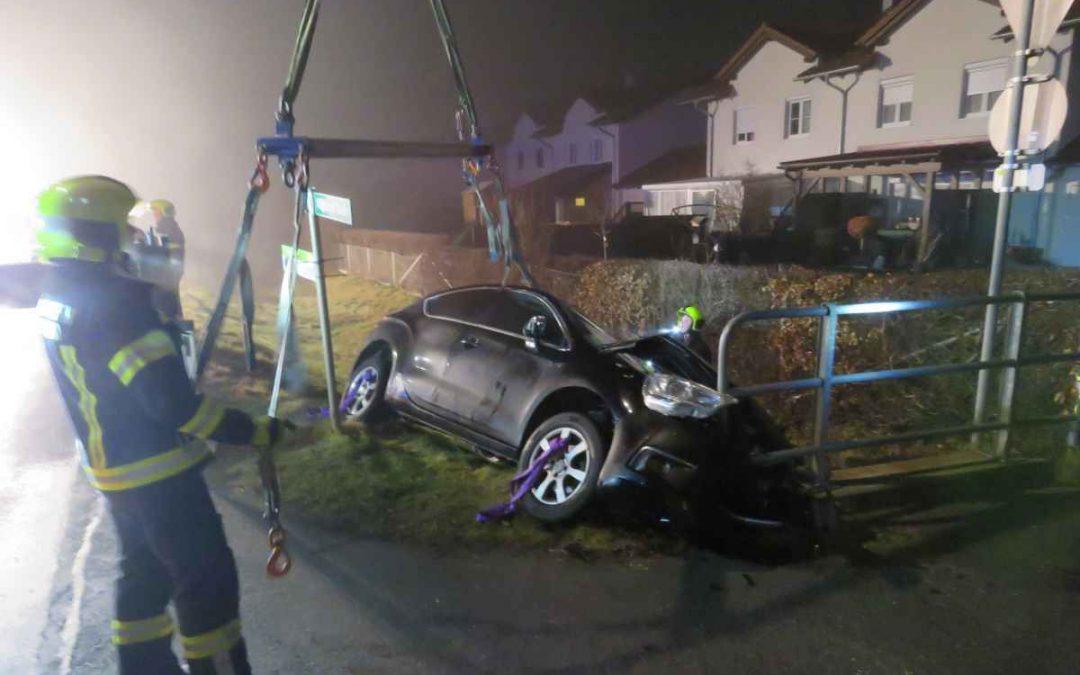 Verkehrsunfall Aufräumarbeiten Waghamer Straße